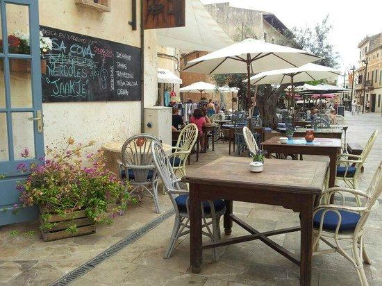 SA Cova Bar Restaurant: vista lateral