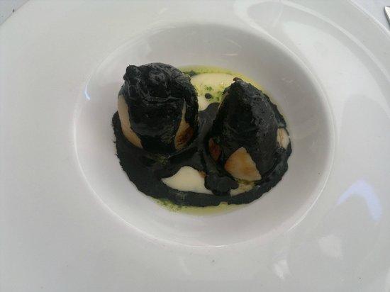 Calamares rellenos en su tinta - Menú Restaurante EL VENTALL