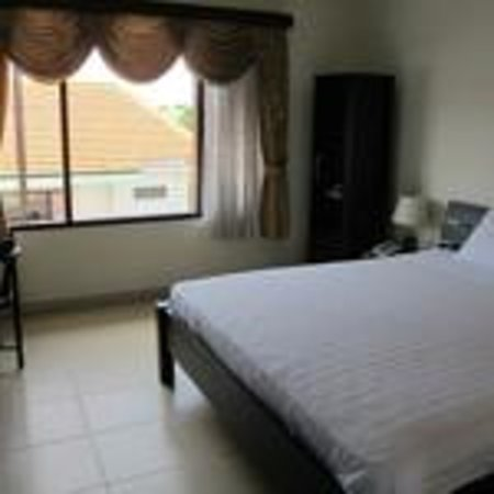 Dive Today Scuba Diving Academy & Resort : deluxe standard room