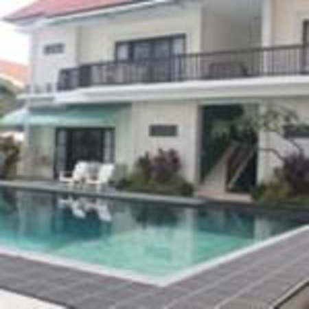 Dive Today Scuba Diving Academy & Resort : guestroom with diving pool