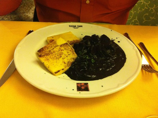 Dona Onesta : seppioline al nero con polenta