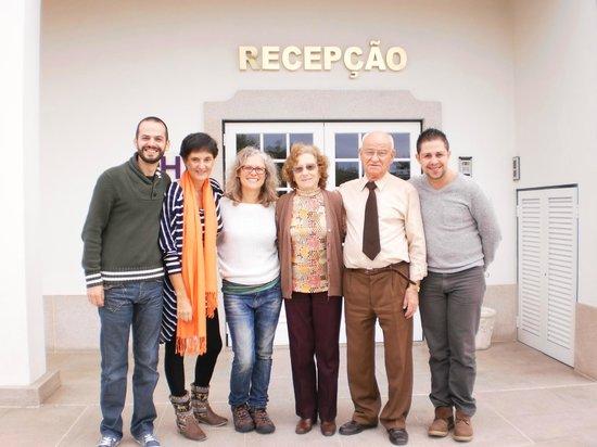 Hotel Estrela Da Idanha : Foto do grupo com os anfitriões/donos do Hotal