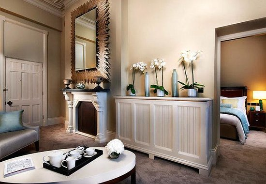 St. Pancras Renaissance London Hotel: Chambers One-Bedroom Suite