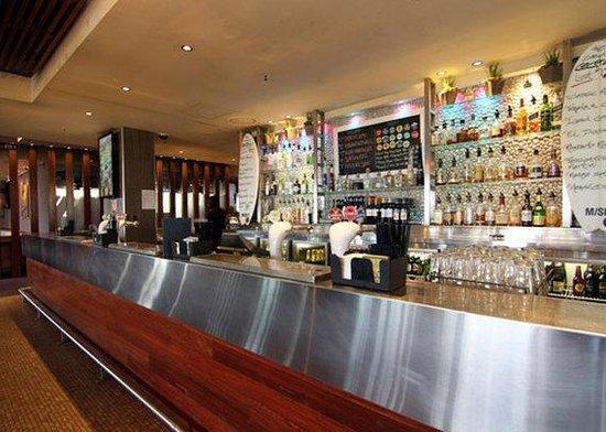 Quality Hotel Sands Narrabeen: Bar