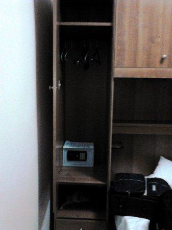 Hotel Papa Germano : la camera doppia con bagno