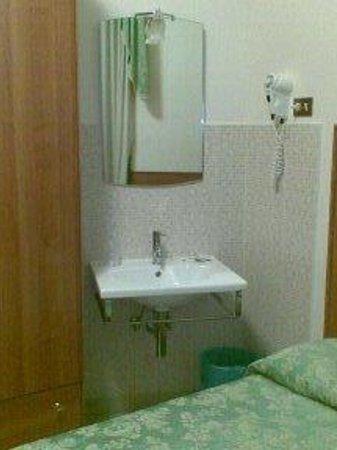 Hotel Papa Germano : la camera tripla senza bagno-