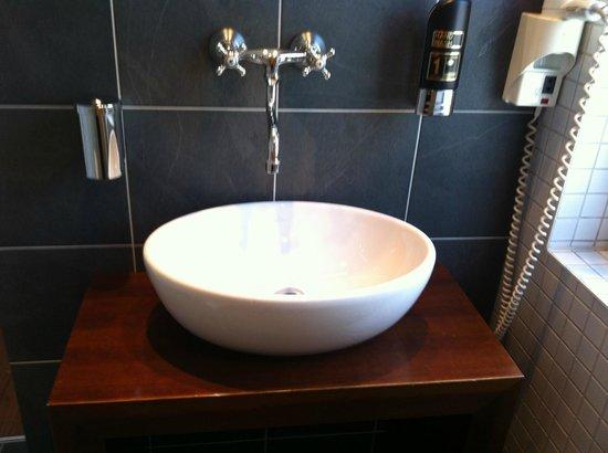 Arthotel Binders: particolare del bagno