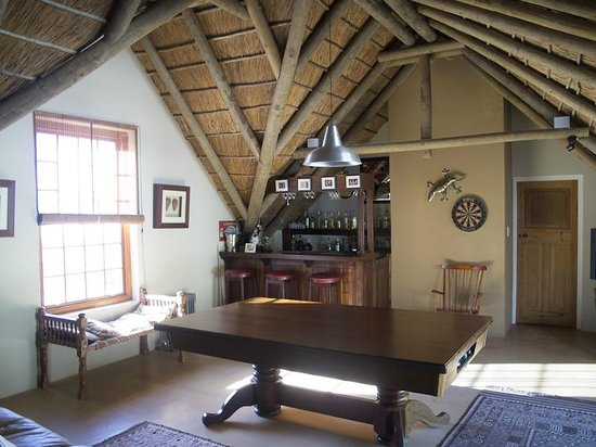 Oudekloof Wine Estate & Guest House: Upstairs lounge