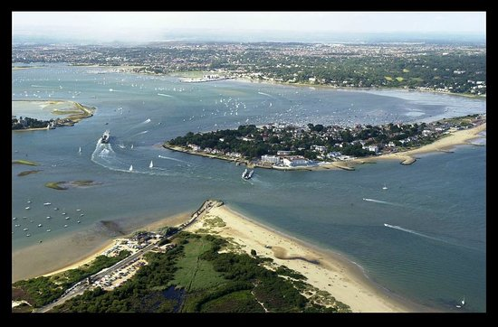 Sandbanks Ferry : This foto property of Tailor Made LettingsPoole Dorset