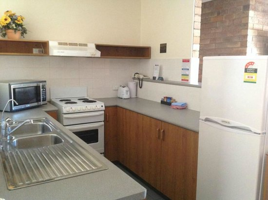 Allan Cunningham Motel: 2 Room Apartment Kitchen