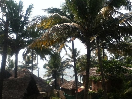 New Heaven Beach Resort: View from upper balcony rooms private and peaceful