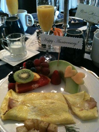 A Little Dream: Beautifully presented breakfast at the Little Dream with special touches ... <3