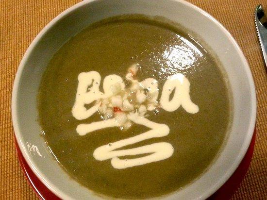 The Boma Nairobi: Shrimp-and-mashroom soup