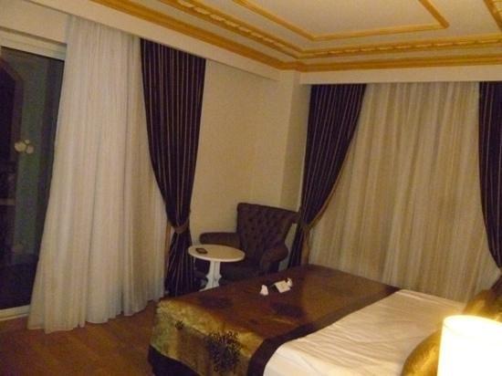 Crystal Palace Luxury Resort & Spa: family room kingsize