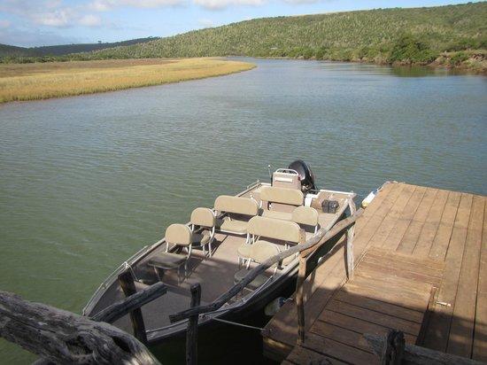 Kariega Game Reserve - River Lodge : Boat for River Trips