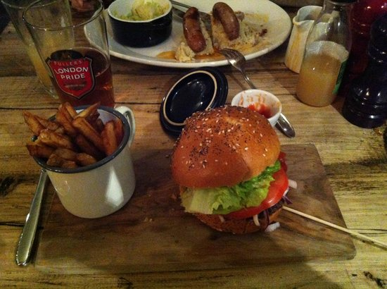 The Hereford Arms: Hamburguesa de ternera