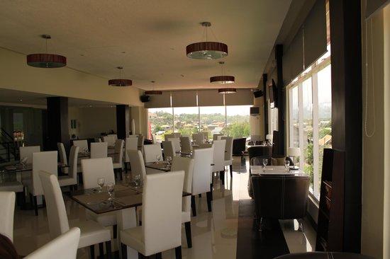 The Grande Suites: Breakfast restaurant 4th floor