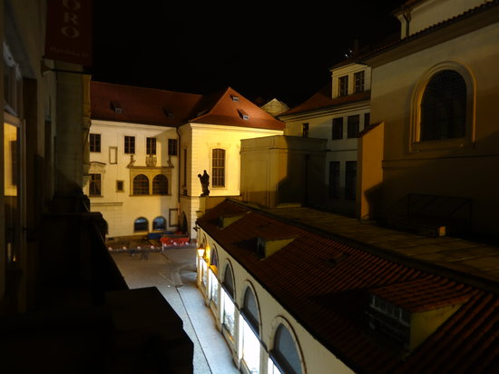 Hotel Leon D'Oro: rue Havelska vue de la chambre