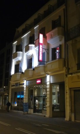 Mercure Annecy Centre : By night