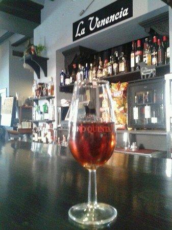 La Venencia: Un lugar para disfrutar de los mejores vinos de estas tierras y de España en general