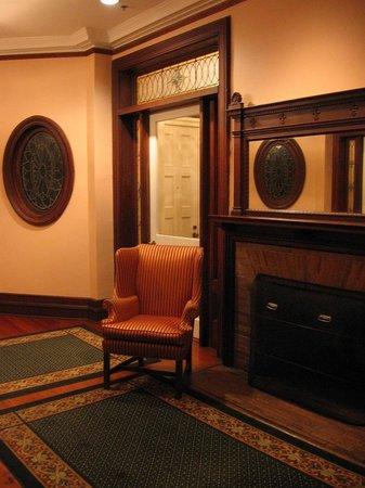 Jekyll Island Club Resort: Sans Souci hallway