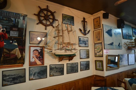 Bar Restaurant Cinzano: Die Dekoration