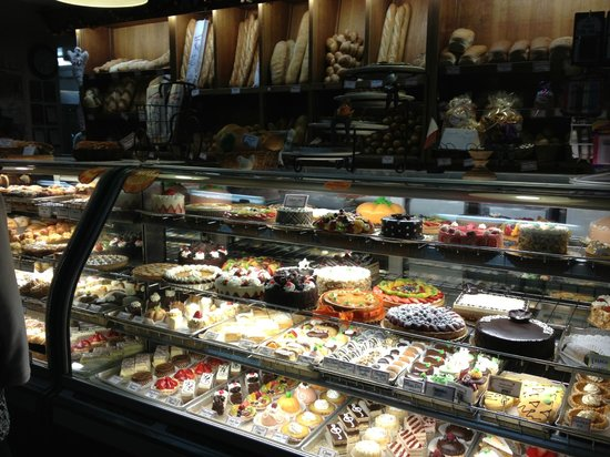 Paris Bakery Cafe : pastries and breads
