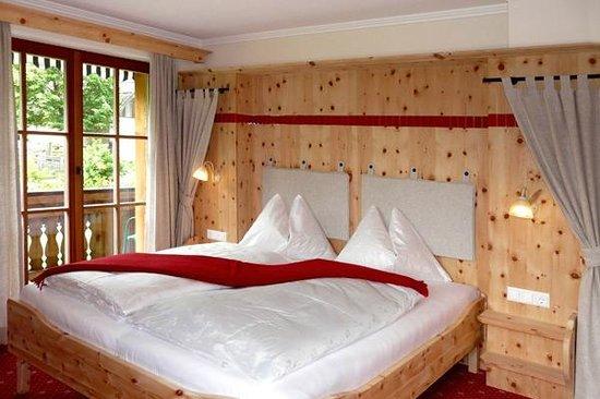 Bauernhof Ottingerhof: Zirbenschlafzimmer