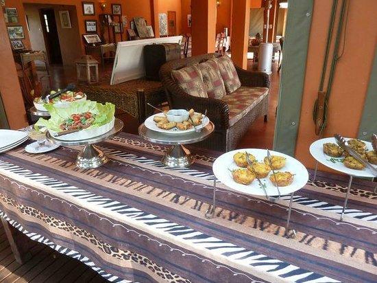 Thula Thula Exclusive Private Game Reserve and Safari Lodge: si pranza!