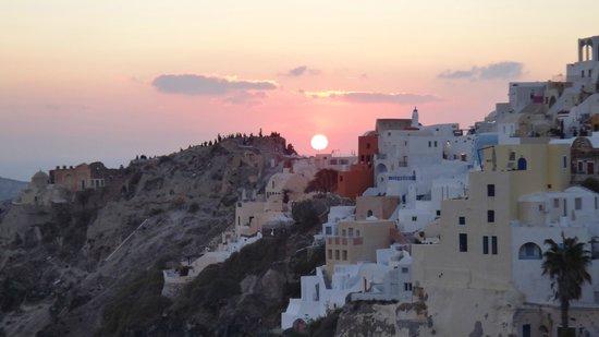 Art Maisons Luxury Santorini Hotels Aspaki & Oia Castle: Aspaki Sunset View in October