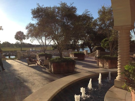 The Cloister at Sea Island: Back patio of Cloisters main buillding