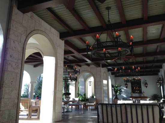 The Cloister at Sea Island: Back patio of Cloister main buidling