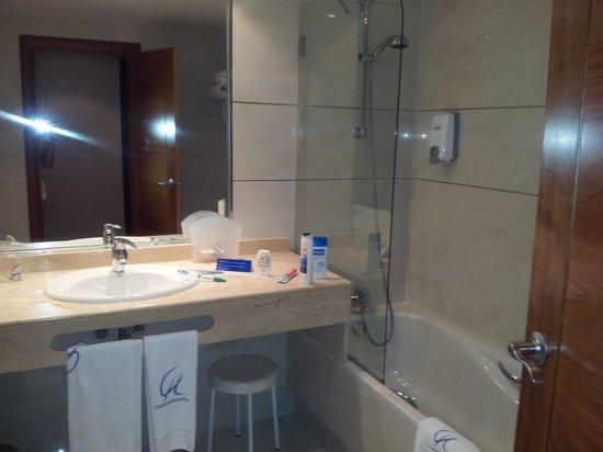 Clement Barajas Hotel: baño hotel clement