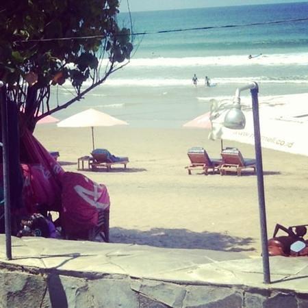 Pelangi Bali Hotel : beach front