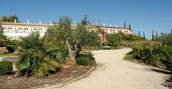 Hotel Rural Quinta do Marco: ehr schoene Gartenanlege