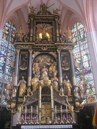 Basilica St.Michael: particolare dell'altare maggiore