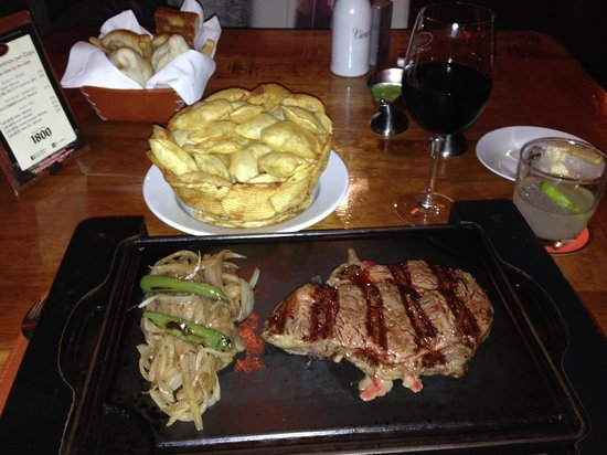 Puerto Madero Cancún: RIbeye with Soufflé potatoes