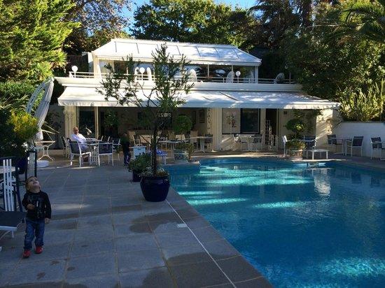 Hotel Parc Victoria: La psicine ... très grande