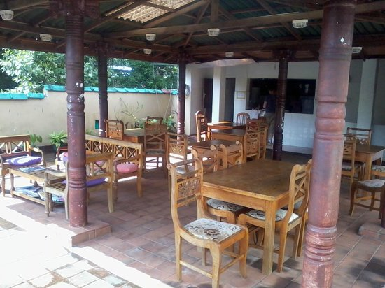 Palm Garden's Guest House: Rooftop dining area