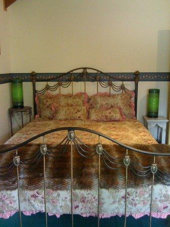 Longbeach Clifftop Retreat: Bed