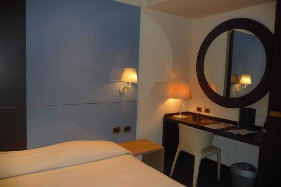 T Hotel: chambre