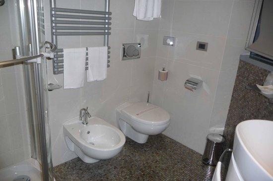 T Hotel: salle de bains