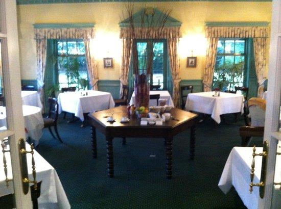 Tyddyn Llan: Dining Room