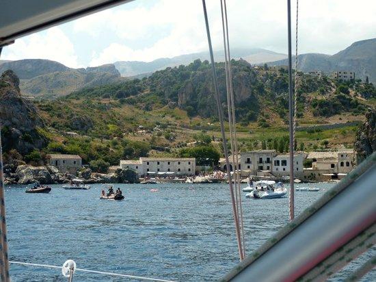 Occhio Al Boma - Escursioni in Barca a Vela : Scopello, la Tonnara