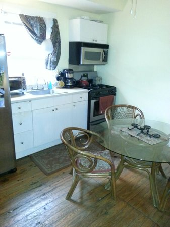 Charleston's NotSo Hostel: two of two kitchens in main house