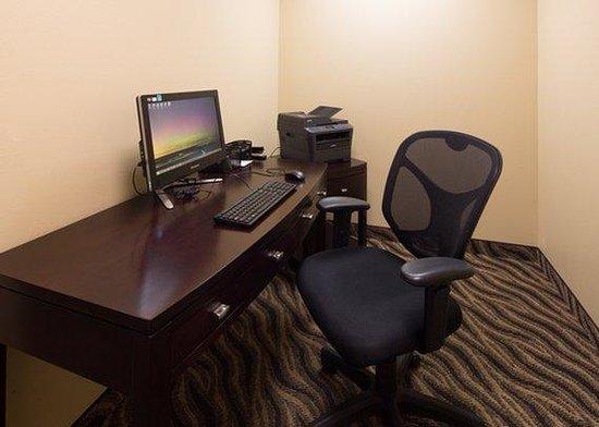 MainStay Suites Rapid City : business center