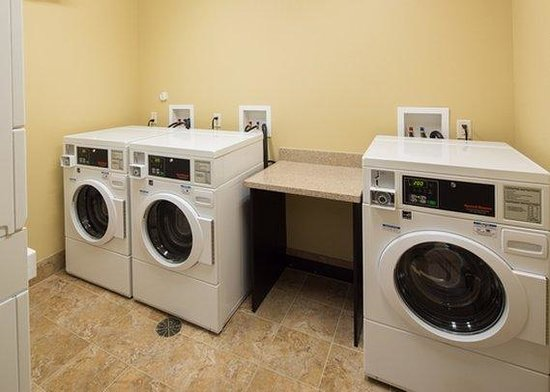 MainStay Suites Rapid City : laundry facility