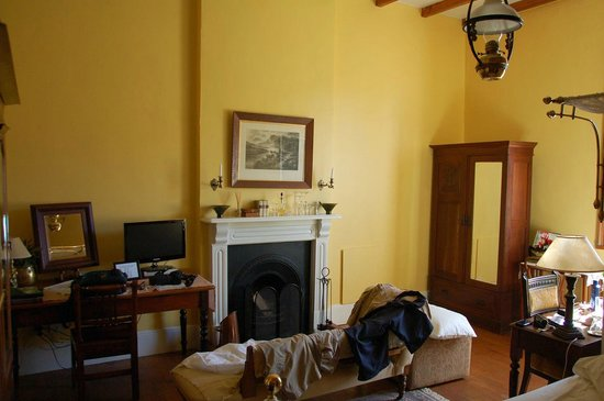 Fairview Historic Homestead: One of the comfortable rooms