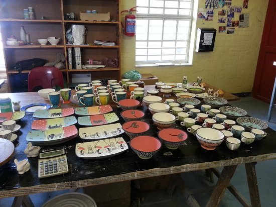 Siviwe Township Tours: A community works program creating beautiful pottery.
