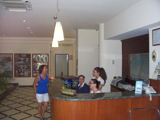 Hotel Ristorante Villa Elena : RECEPTION